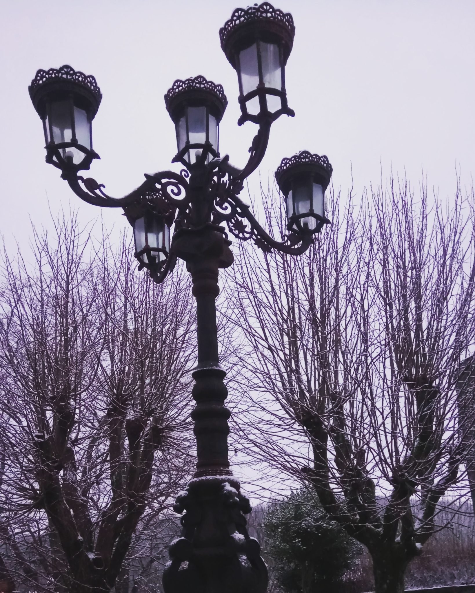 Penni_Jo_Songwriter_Lamppost_in_Winter